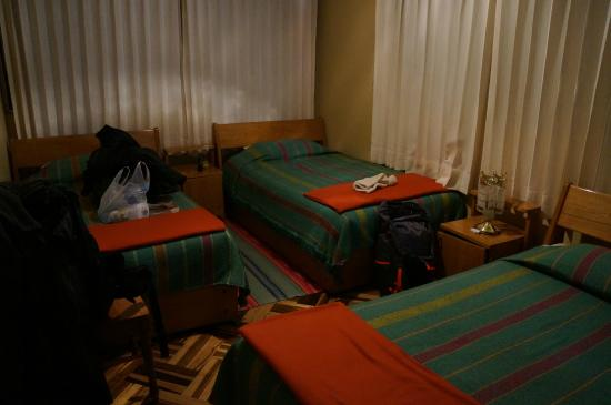 Residencial Cricarlet: Chambre propre et agréable
