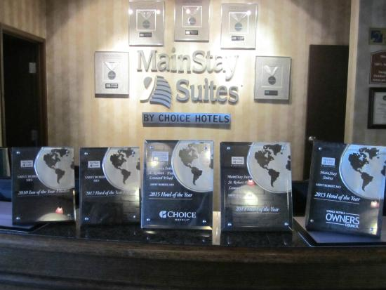 MainStay Suites Saint Robert: 4 Hotel of the Year Awards and 1 runner up