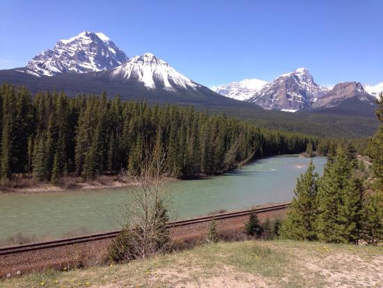 Canadian Rockies Van Tours - Canadian Co-ordinate Systems - One Day tour: 希望で地元スーパーに連れて行って頂き案内を頂きました。