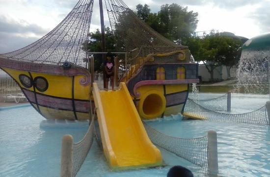 Whites City, Nuovo Messico: Pirate ship in pool