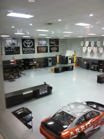 Joe Gibbs Racing: Inside the shop