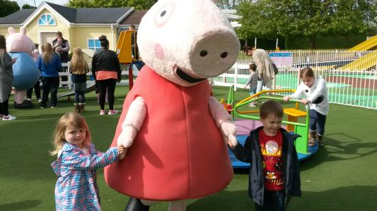 Kids meet and greet quality time with peppa pig picture of paultons park kids meet and greet quality time with peppa pig m4hsunfo