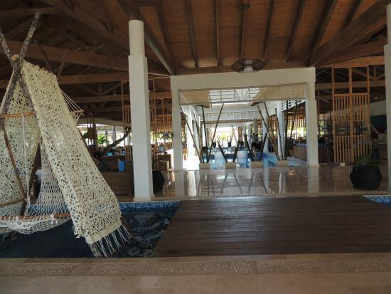 Vue du building 10 sur la piscine picture of melia for Jardines del rey