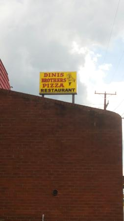 Dinis Brothers Pizza & Restaurant