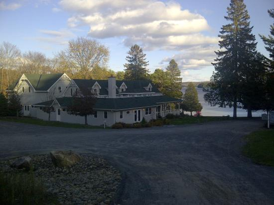 Port Cunnington Lodge & Resort: Main Lodge