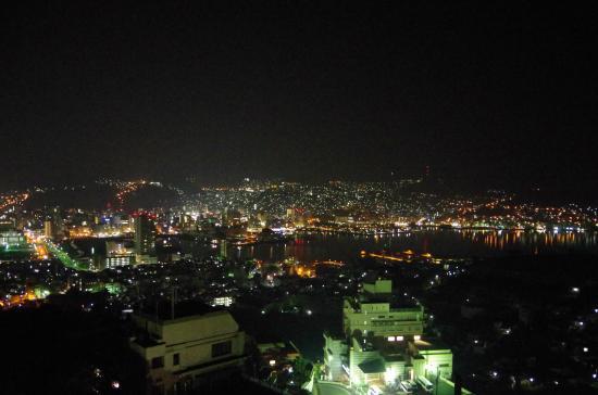 Inasayama Kanko Hotel: 夜 屋上より