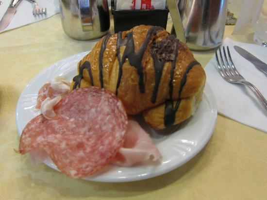 Hotel Centrale Byron: Breakfast