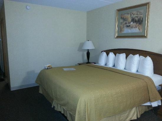Quality Inn Chillicothe: Comfy bed...!!!