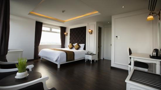 Sea Phoenix Hotel
