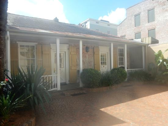 Dauphine Orleans Hotel Carriage House