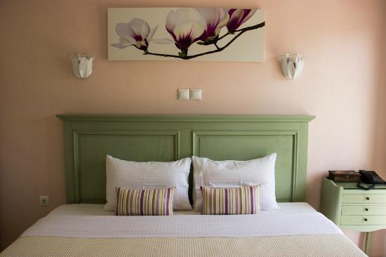Tinos Resort: bedroom suite