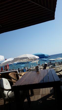 Palmiye Beach Hotel: Första man ser när man kommer ner på frukost