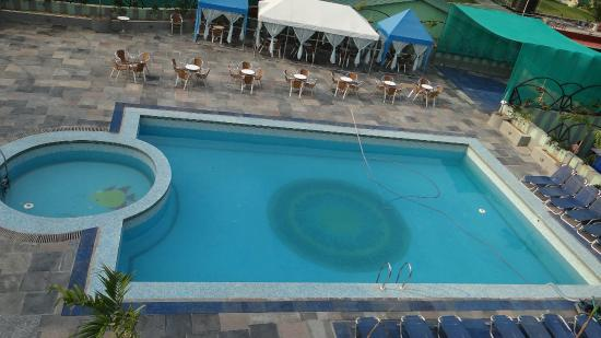 Swimming Pool with Rain Dance Floor - Picture of Gargee ...