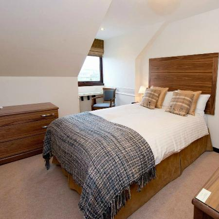 Strathburn Hotel : 1st Floor Bedroom