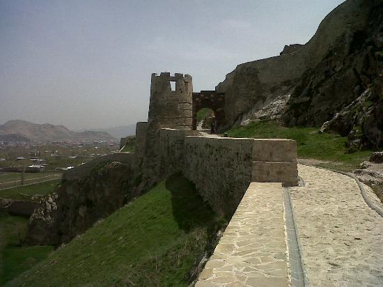 on top of the castle - Van Kalesi, Van Resmi - TripAdvisor