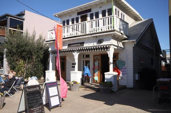 Point Lonsdale, Austrália: Tussock Upstairs Gallery