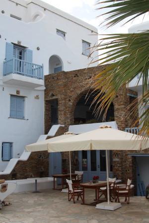 Onar Hotel and Suites : Receptie en ontbijtplaats.