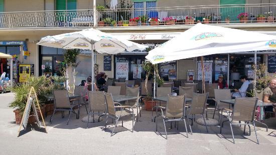 Life Cafe'