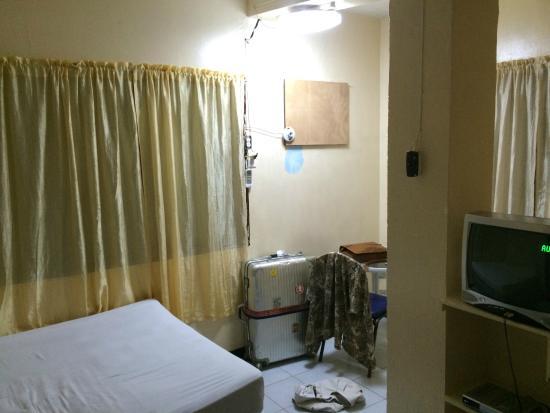 Lehns Motel : Room? suite, lol!
