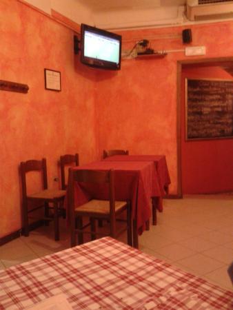 La Piazzetta: altra piccola parte del locale