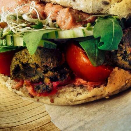 Petaling District, Malásia: Organic Vegan Falafel Burger