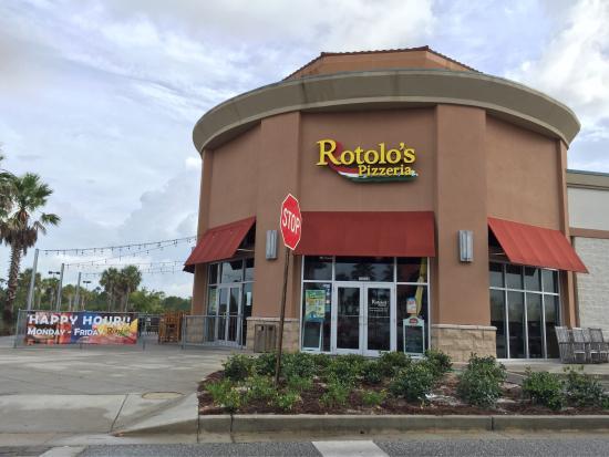 Rotolo's Pizza: Exterior