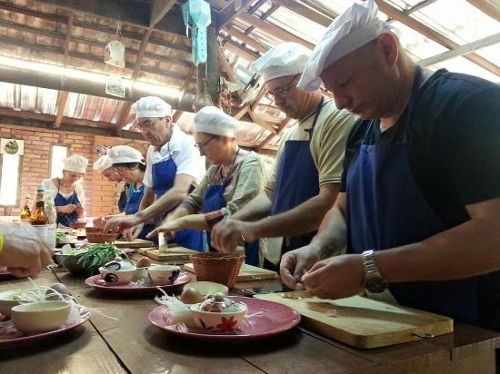 Baan Hongnual Cookery School: Funny and YUMM !!