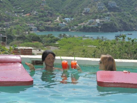 Casa Los Cerros: Cocktail en la piscina
