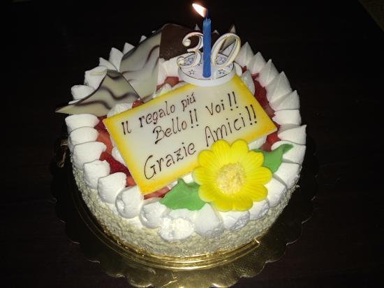 Torte Compleanno.. io porto la scritta.. loro creano la torta :)