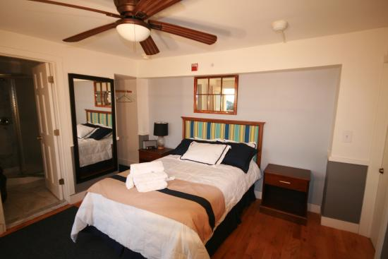 Fire Island Hotel and Resort: Double (one bed) room