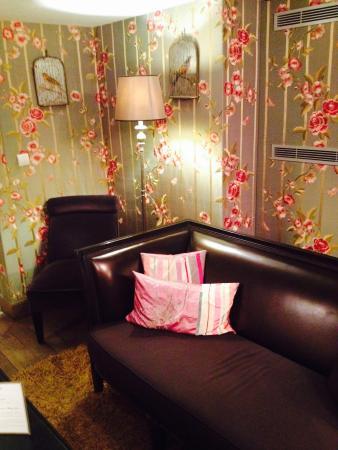Chateaubriand Hotel: Salon à l'entrée