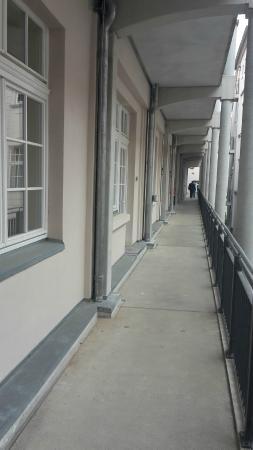 arcona LIVING BATSCHARI 8: Couloir