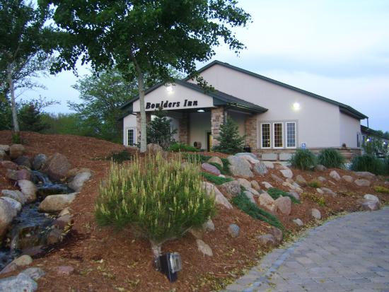 Boulders Inn and Suites