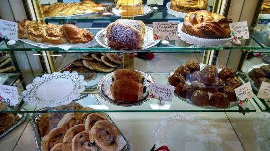 Mulberry Market Bake Shop
