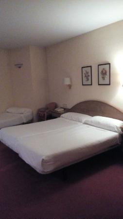 Hotel Maruxia: habitación de 4