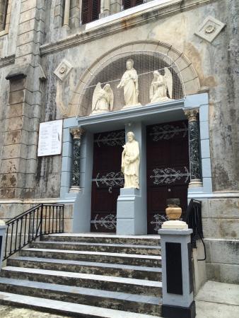 St. Joseph's Roman Catholic Cathedral: Entranceway