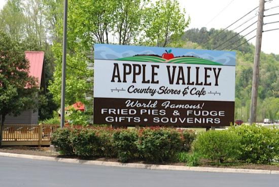 Apple Valley Cafe: When you see this sign on the parkway, you're getting close!