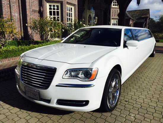 Pinole, Californien: 2014 Chrysler Limo