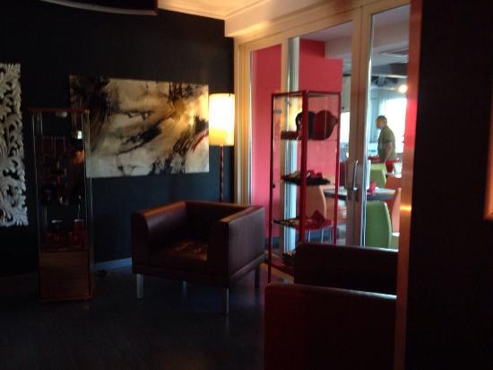 Hotel Zoello Je Suis: La hall
