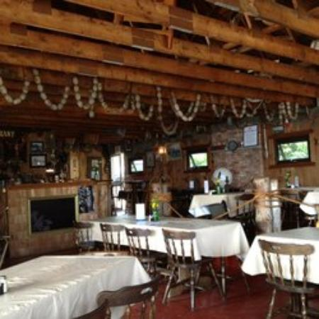 Anna's Water's Edge Restaurant: All Set up and ready to go.