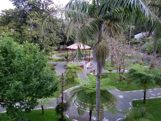 Azoris Angra Garden Plaza Hotel: Gezien vanaf het balkonnetje van de kamer