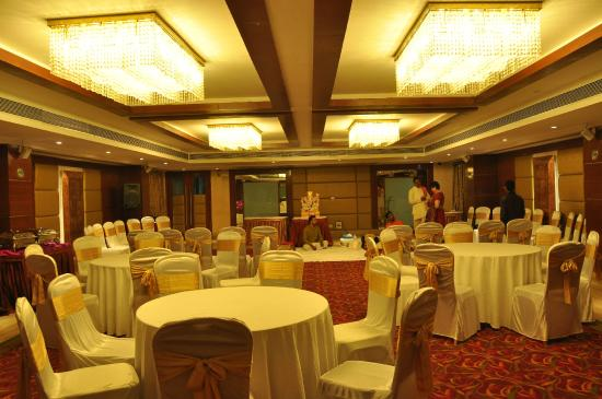 Ramada Ahmedabad: saphire suite for function 50ppl