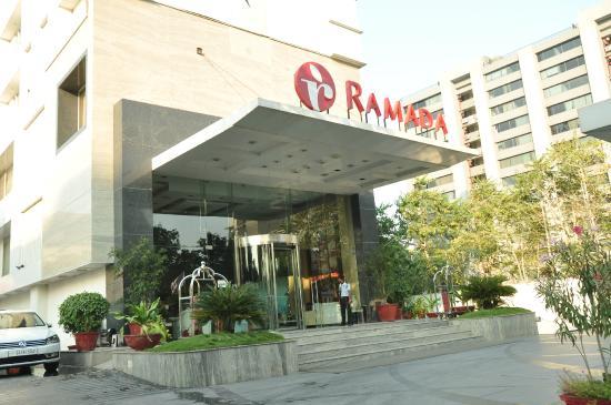 Ramada Ahmedabad: entrance