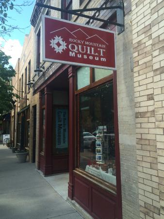 Rocky Mountain Quilt Museum outside