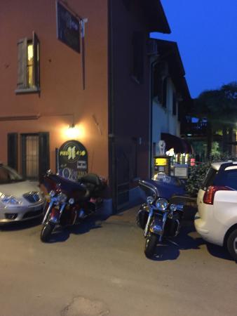 Pizza Per Caso Le Quattro Coppe : BY NIGHT