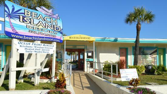 Beach Island Resort: Front