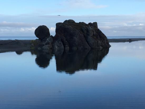 Turtle Rock Resort: The beach & property are amazing