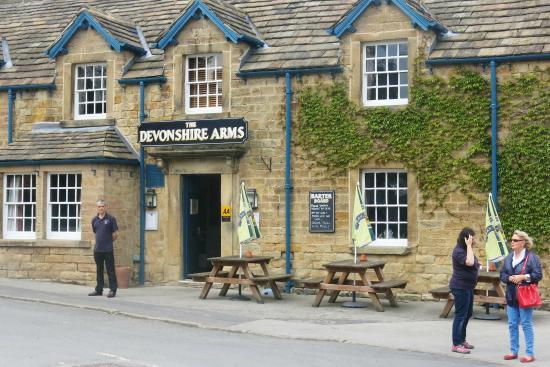 The Devonshire Arms at Pilsley - Restaurant: Friendly Pub