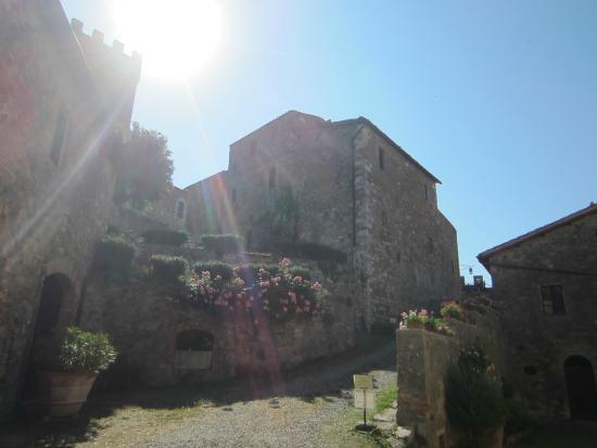 Castello di Ripa d'Orcia: il borgo