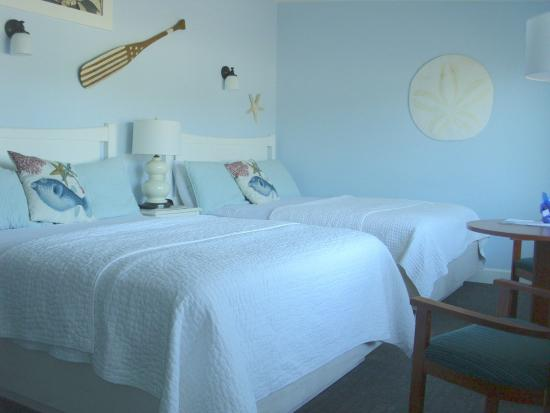 Harborview Inn & RV Park: One of our 2 queen rooms